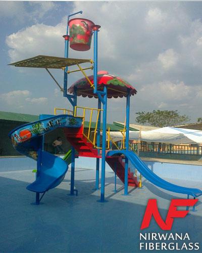Playground Kolam Renang