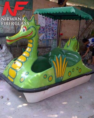 Sepeda air bentuk naga