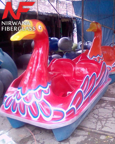 Sepeda air model bebek