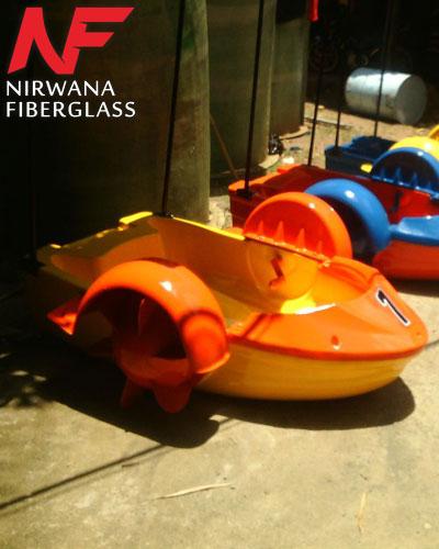 Sepeda air model handboat