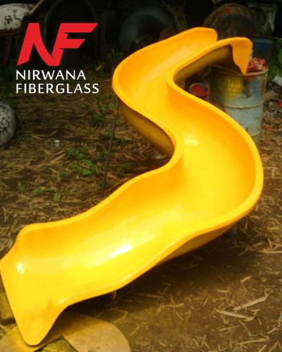Seluncuran kolam renang tipe S warna kuning