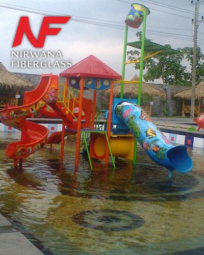 Playground kolam renang plus emer tumpah